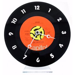 recycled vinyl clock from ethical superstore